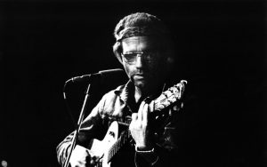 AMSTERDAM, HOLLAND: JJ Cale performs live at the Carre Theatre, Amsterdam in 1973 (Photo by Gijsbert Hanekroot/Redferns)